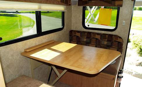 interieur truck camper van Go North