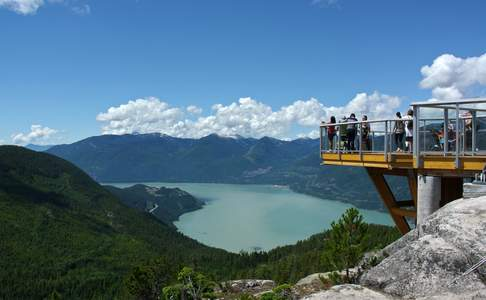 Sea-to-Sky Gondola met utizicht over Howe Sound in Squamish