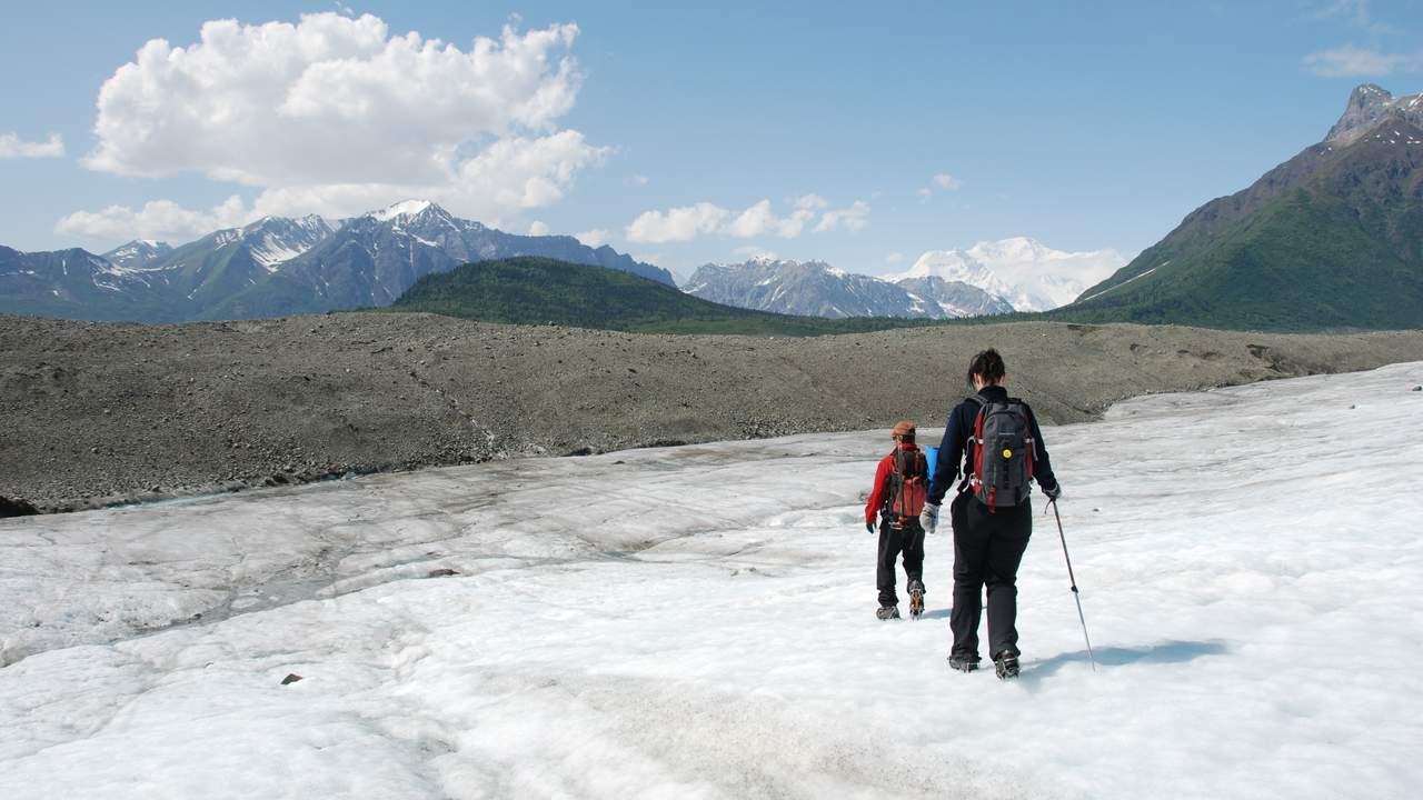 Gletsjerwandeling op Root Glacier, Wrangell St. Elias Mountains National Park